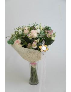 Ramo de flor variada con rosas