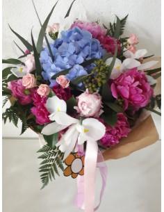 Ramo de flor variada con...